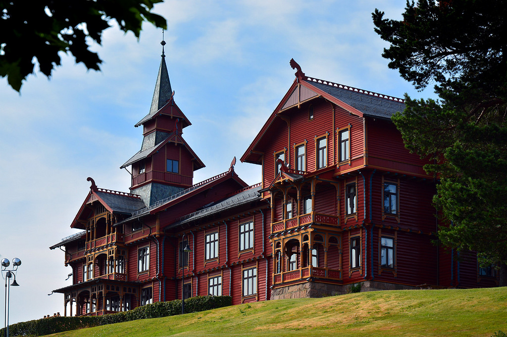 Photo: George Rex, Holmenkollen Park / Hotel Rica Architect: Balthazar Lange (1854-1937), opened 1894. Designed in Dragestil (Dragon Style), a form of National Romantic architecture. Holmenkollen, Oslo.