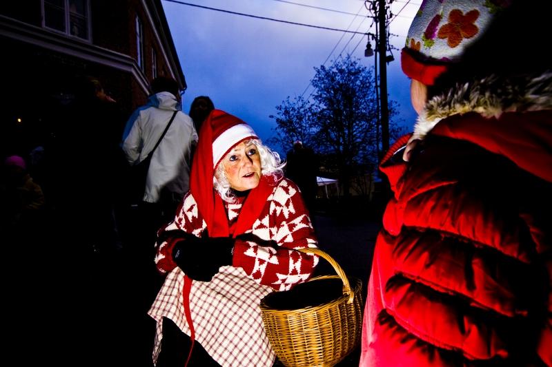 FOTO: Alexander Klanderud | Julemarked in Øvrebyen. Kongsvinger Kommune. Niseemor is on visit