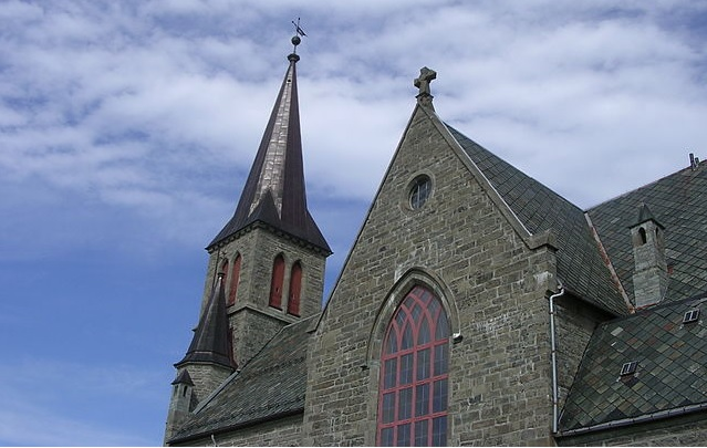 Priest's Wallet Stolen During Sunday Mass in Northern Norway